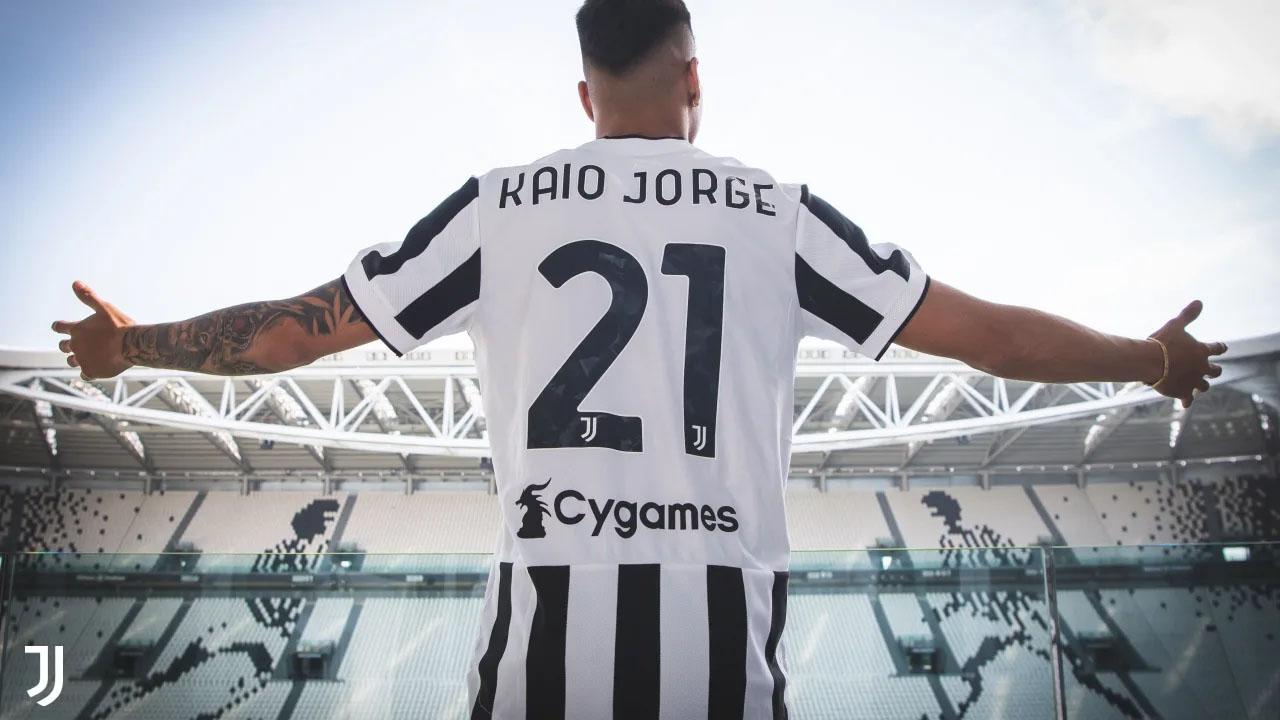 Težavni začetki Brazilca, za katerega se je pulilo pol Evrope: Juventus ga je poslal v tretjo ligo